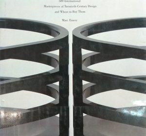 Furniture by architects: 500 international masterpieces of twentieth-century design and where to buy them / Marc Emery